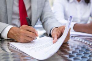 ¿En qué fijarse cuando firmas un contrato de arriendo?